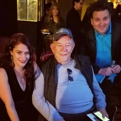 Robin Leach drops by Comedy Hypnosis Show Hypnosis Unleashed
